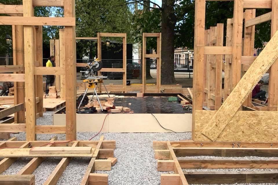 TRIENNALE BRUGGE, Liquid City Wesley Meuris, UrbanModel Voorbereiding, opbouw en realisatie door Helix bvba.