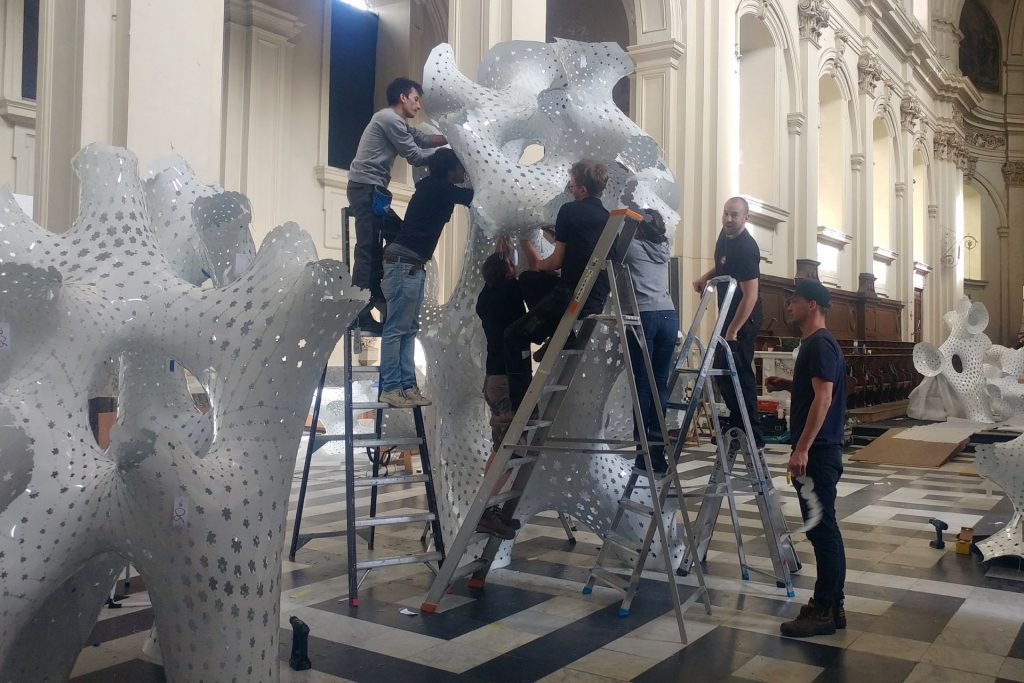 TRIENNALE BRUGGE, Liquid City Grootseminarie tentoonstelling Art Handling en opbouw tentoonstelling door Helix bvba